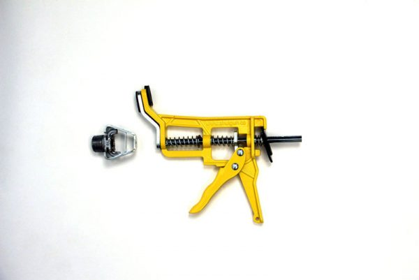 Shutgun with 1/2″ sheared head attachment detached