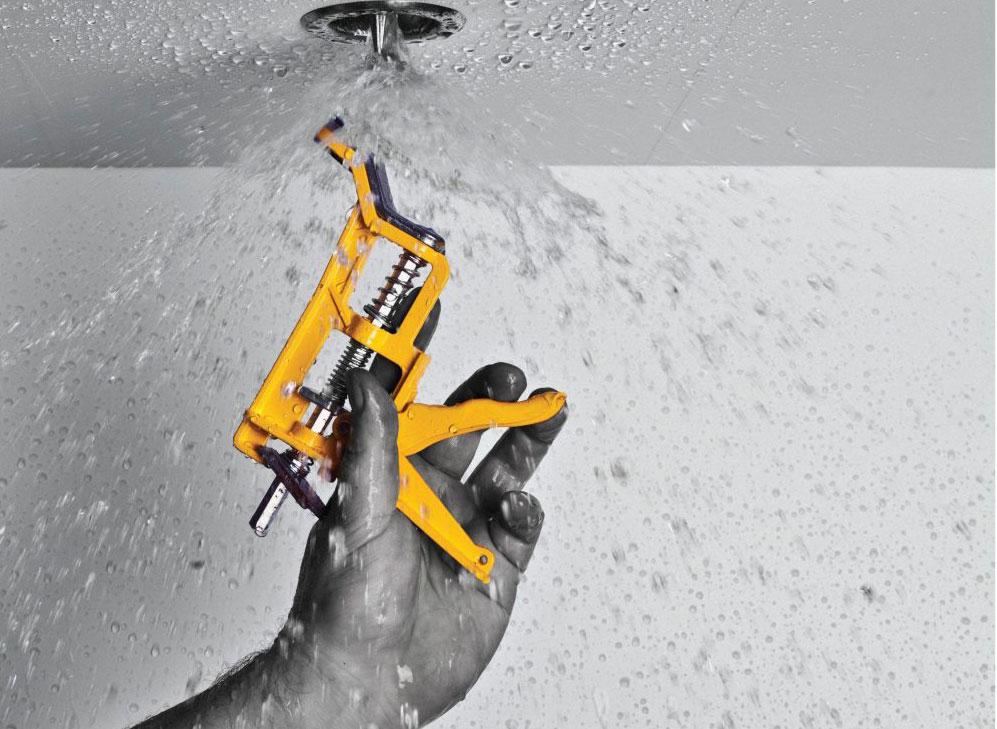 Emergency sprinkler head emergency water stopper